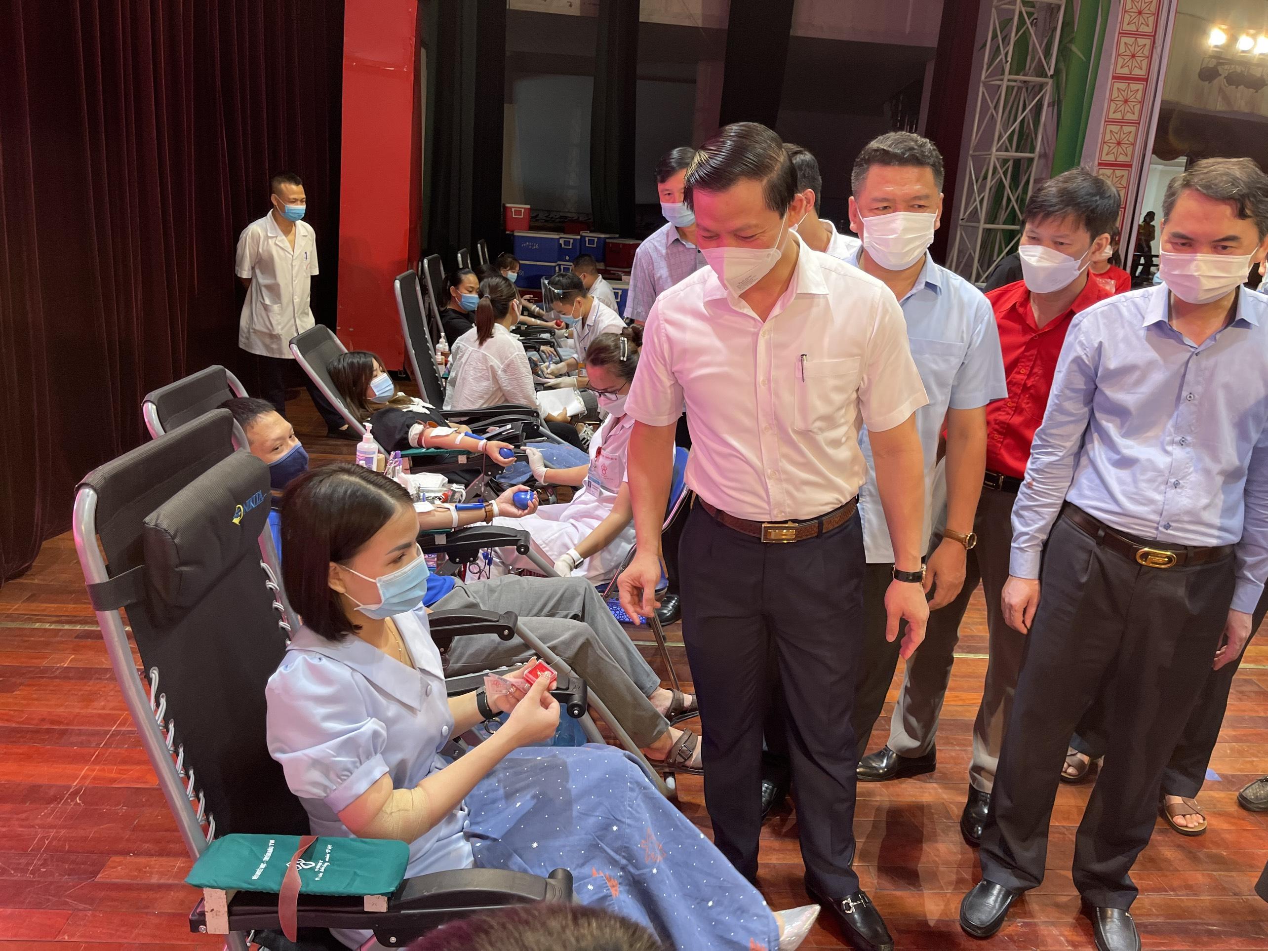 Khai mạc Chương trình Hành trình đỏ - Kết nối dòng máu Việt