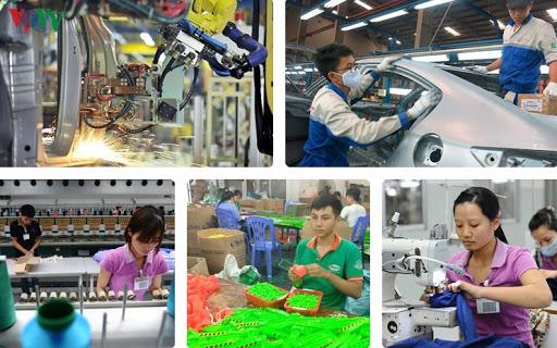 Chính phủ ban hành chính sách hỗ trợ người lao động và người sử dụng lao động khó khăn do COVID-19