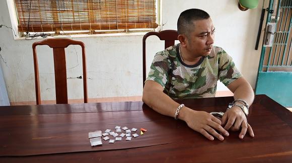 Công an thành phố Đồng Xoài Bắt đối tượng mua bán trái phép chất ma túy.